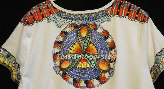 Zentangle Inspired Art on T-shirt using Derwent Inktense Pencils #DerwentInktense
